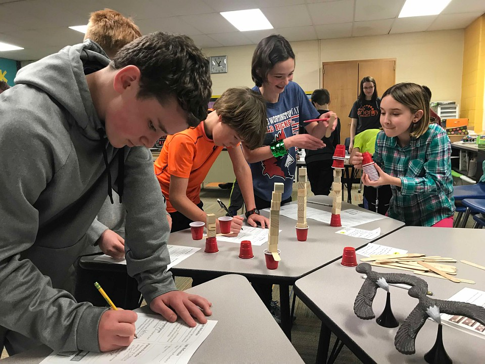 Evening Street 5th graders participating in a student led lab during the Ohio Energy Project.