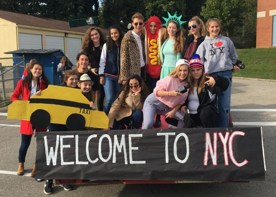 The+Junior+class+student+council+members+posed+on+their+New+York+parade+float.+